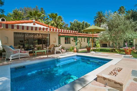 Zillow Home Design Style Quiz by Actress Annie Potts Designed This Funky Hacienda