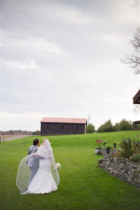 rustic barn wedding nyc upstate new york rustic wedding at apple barn farm