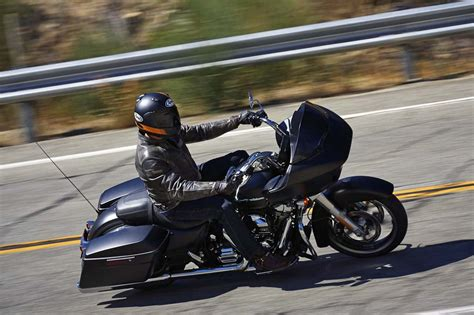 2015 Harley Davidson Road Glide First Ride Review   Video