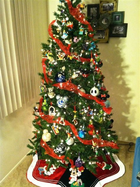 awesome ideas for disney christmas tree decoration happy