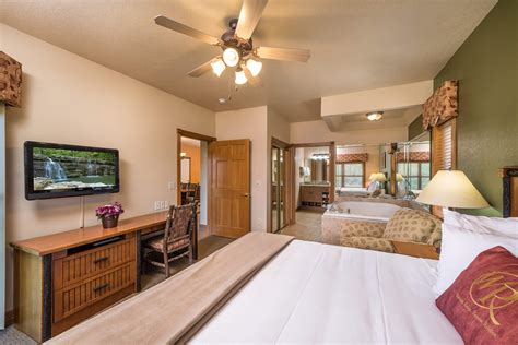 2 bedroom suites in branson mo one bedroom grand villa westgate branson woods resort in