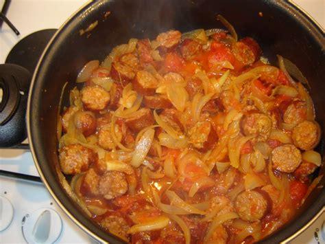 comment cuisiner une b馗asse rougail saucisse recette de rougail saucisse marmiton