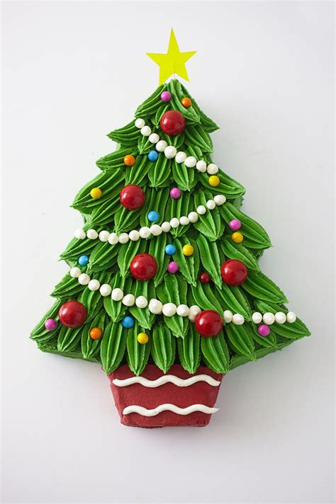piped buttercream christmas tree cake tutorial cakegirls