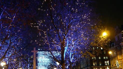 make lights twinkle 8 twinkle light diys that look completely spectacular