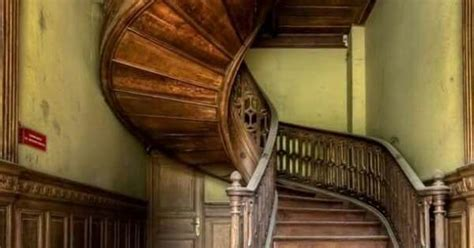 libro abandoned the most beautiful beautiful stairway in abandoned house abandoned mansions abandonado escalera y