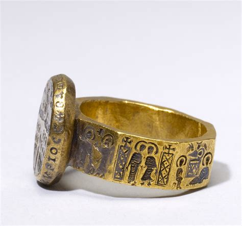 File:Byzantine   Marriage Ring with Scenes from the Life