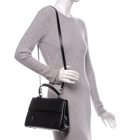 Louis Vuitton Cluny Bb Epi Leather Bag Black Hitam Tas Wanita Cewek louis vuitton epi cluny bb noir black 191623