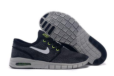 Sepatu Pria Sneakers Nike Joging Made In Asli Import 2 nike 4 gratis nike shox m 233 daillon de femmes