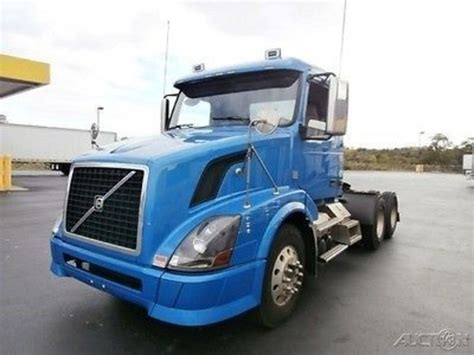 2010 volvo truck 2010 volvo trucks box trucks for sale used trucks on