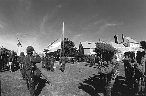 imagenes impactantes de guerra las fotos m 225 s impactantes de la guerra de malvinas tkm