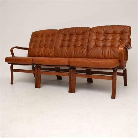 Bentwood Sofa by Retro Leather Bentwood Sofa Vintage 1970s At 1stdibs