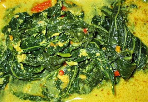 gulai pucuak ubi sayur daun singkong khas padang dapur