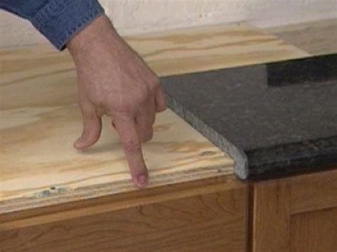 Installing Granite Countertop by Installing A Do It Yourself Granite Countertop How Tos Diy