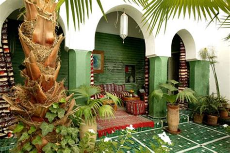 modern backyard ideas  create beautiful outdoor rooms
