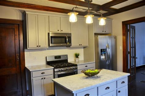 1900 Kitchen Cabinets Early 1900 S Craftsman Kitchen Remodel With Gray Cabinets Carrara Marble Craftsman