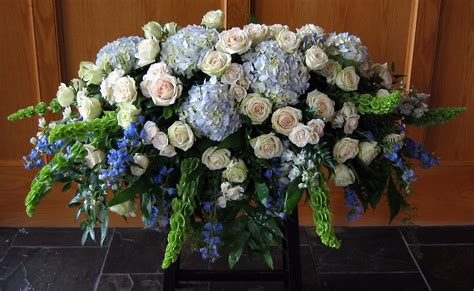 funeral colors hydrangea casket spray complementary colors easel spray