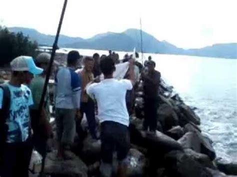 Pancing Di Bali pancing ramainya mancing di pantai bali to