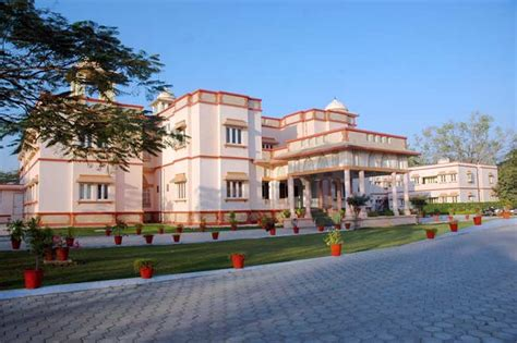 Mills Mba Ranking by Daly College Business School Indore Admission 2018 19