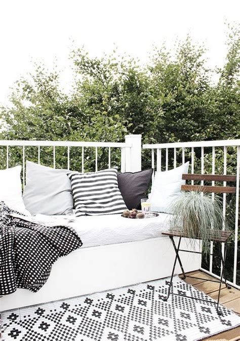 balcony rug tips for choosing your patio rugs messagenote