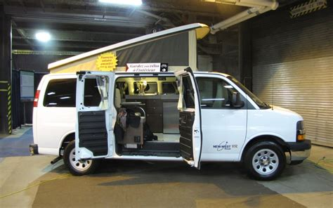 New West VR Excursion (Chevrolet Express)   Picture