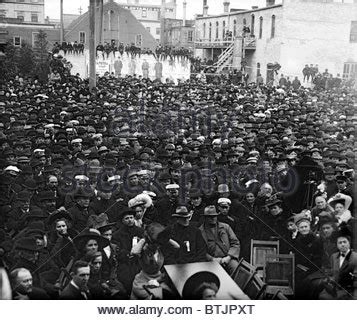 Stop L Taft Hiline Limited crowd for waiting for candidate william taft s 1857 1930 stock photo royalty free image