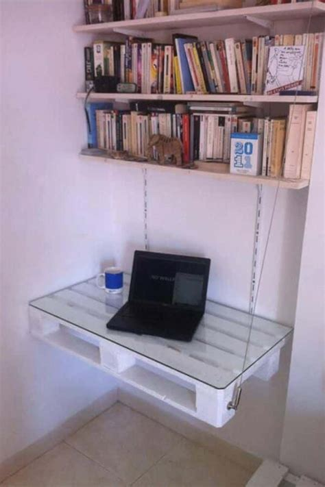 Diy Pallet Desks Well Done Stuff Diy Hanging Desk