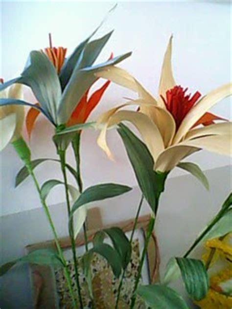 membuat kerajinan bunga dari kulit jagung cara membuat bunga dari kulit jagung