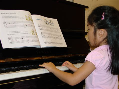 tutorial piano beginner lessons classes old musical surprise