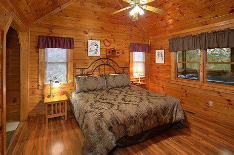 1 Floor Cabin Rentals In - honeymoon getaway 1 bedroom smoky mountain cabin