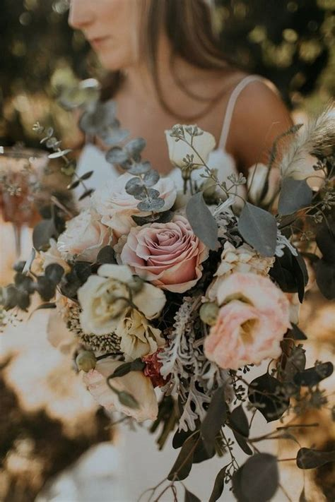 bohemian wedding bouquets   trends page    emmalovesweddings