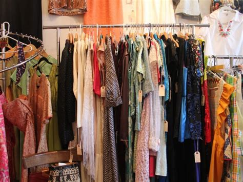 the vintage clothing in davis square somerville