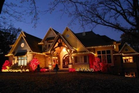 christmas lighting services in minneapolis roof to deck