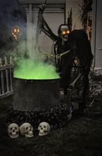 Outdoor halloween decor choosing scary outdoor halloween