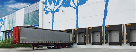 capannoni industriali kopron capannoni coperture baie di carico portoni
