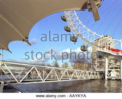 thames clipper london eye thames clippers at the london eye pier united kingdom