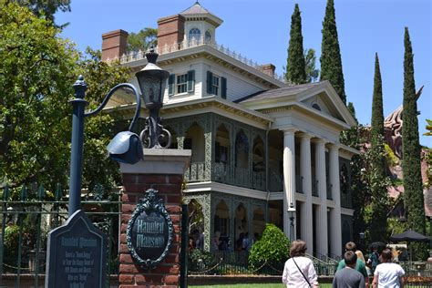 Haunted House Disneyland by Guest Post A Brief History Of Disney S Haunted Mansion