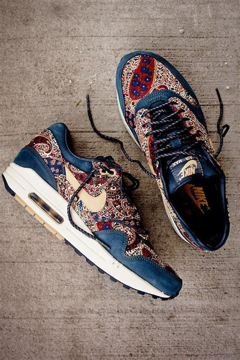 Big Sale Sepatu Running Pria Casual Salomon Sport put away your credit card before viewing 24 pics of sneaker sneakhype chic chanel