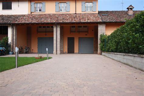 pavimento per cortili pavimentazione giardini per cortile