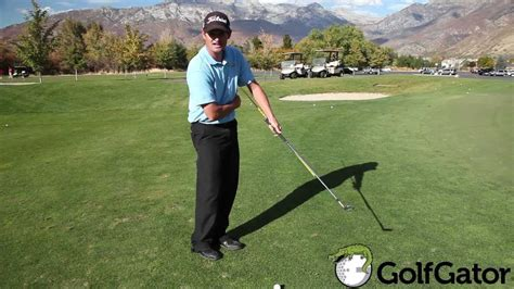 chipping golf swing golf chipping tip chip like a pro golf tips