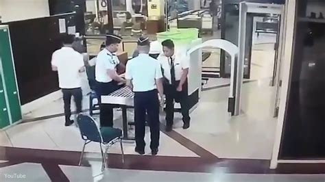citilink drunk pilot indonesian airline fires drunk pilot for trying to fly jet