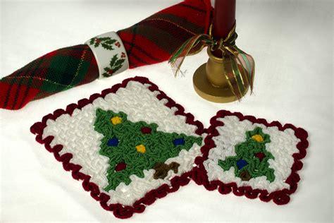 christmas tree hot pad pattern wiggly christmas tree the crochet architect