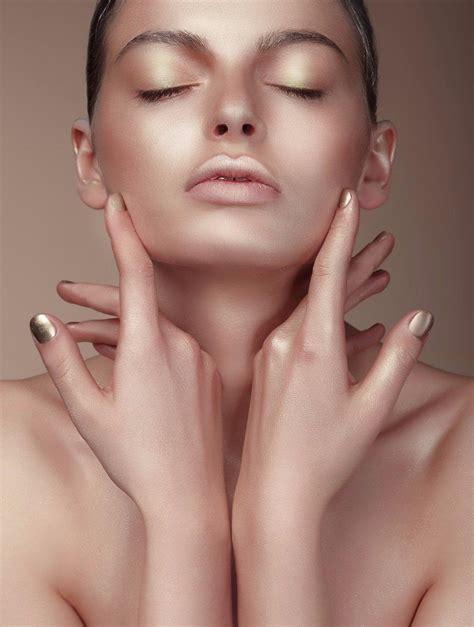 Make Up Di Mahmud make up di primavera l ultimo trend 232 il chroming tgcom24