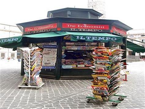 giornali di cucina in edicola crisi affossa giornalai via 12mila edicole in 8 anni la