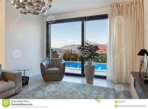 Wohnzimmer Fenster by Wohnzimmer Fenster Stockbild Bild Innen Wohnung