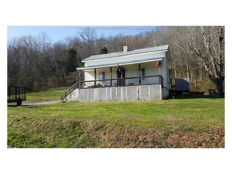 houses for sale in poca wv poca wv real estate and poca wv homes for sale 24 current listings