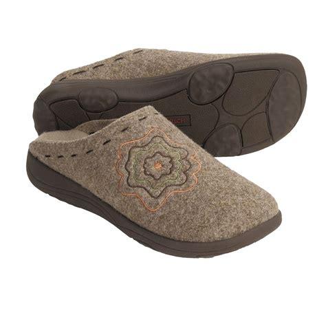 italian slippers woolrich elm creek clog slippers for 3510j