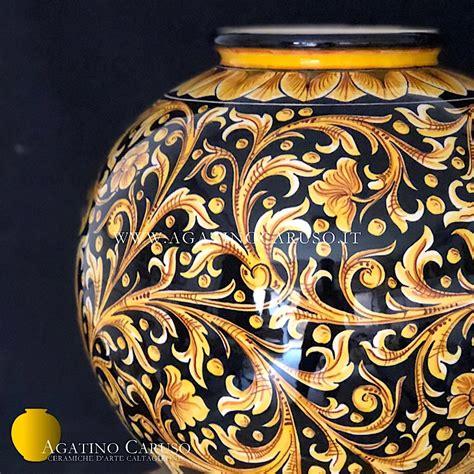 vaso di ceramica vaso agatino caruso p001 ceramiche di caltagirone