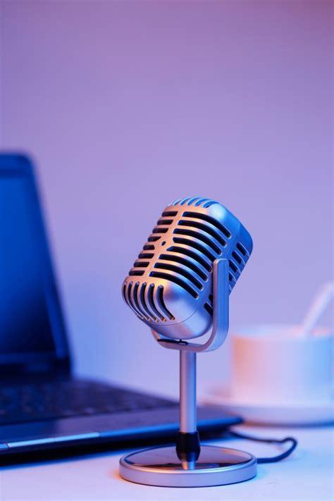 microfone retro  notebook transmissao em tempo real