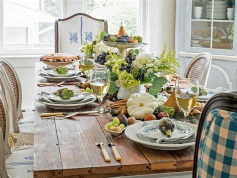 How to Create a Harvest Inspired Thanksgiving Centerpiece