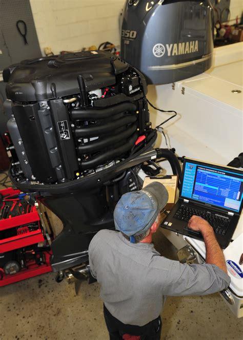 yamaha boat mechanic servicing browns marine